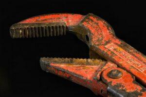 Pipe wrench in Houten